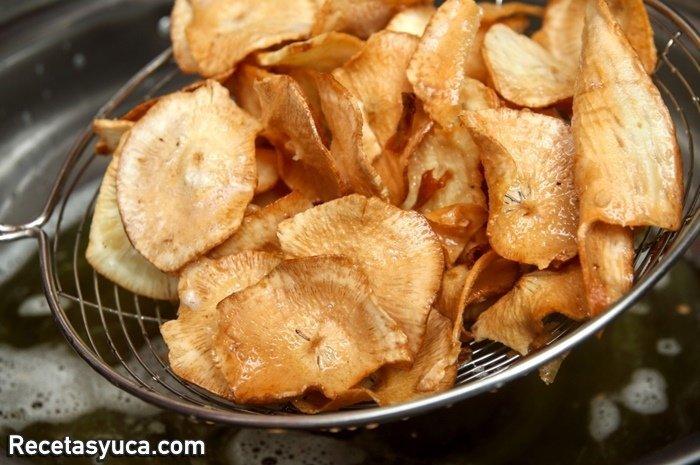 chips de yuca o chifles de yuca